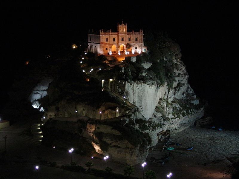 Santa Maria dell\'isola di Tropea