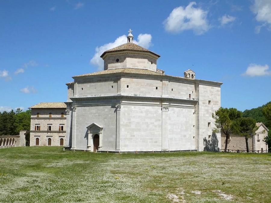Santuario di Macereto